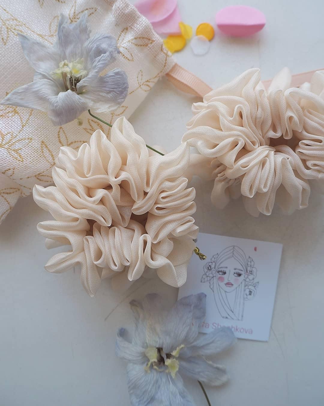 Silk Hair Scrunchie – Cream