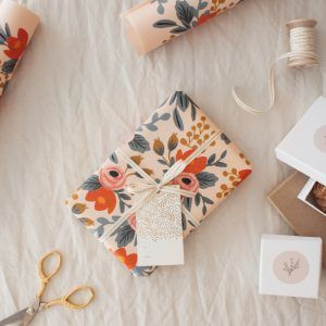 Roses Gift Wrapping Option