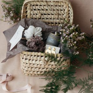 """Home & Fleur """"Tiny Treats"""" Christmas Gift Basket"""