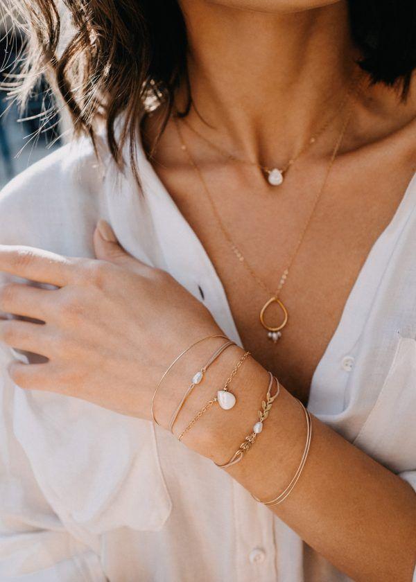Golden Leaf Thread Bracelet