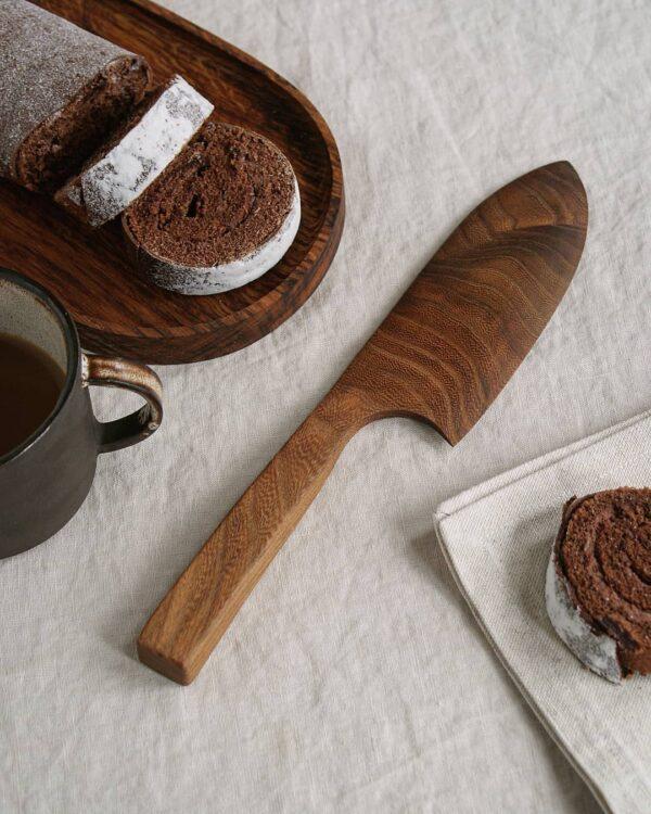 Selwyn House Brown Oak Cake Knife