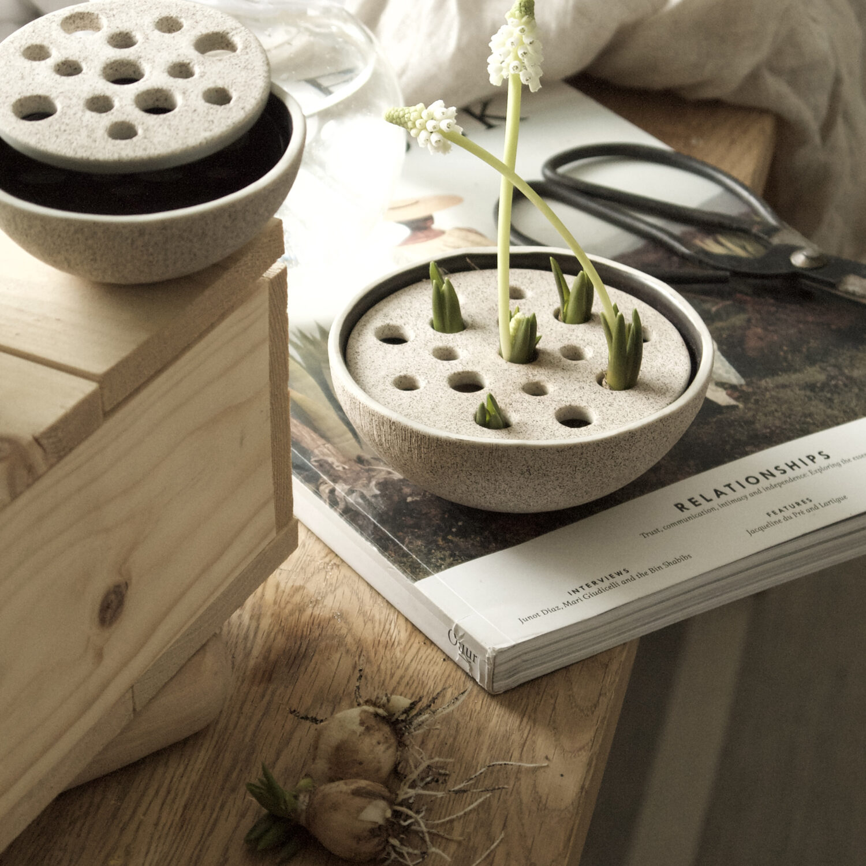 Straw Medium Ceramic Vase - Sand.