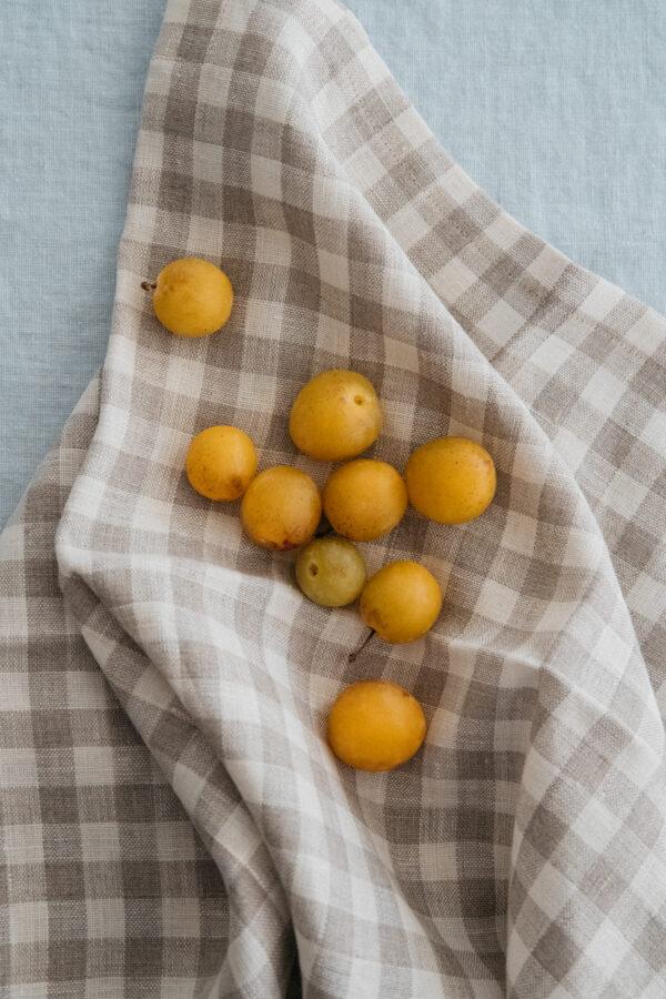 ALMOND Linen Towel